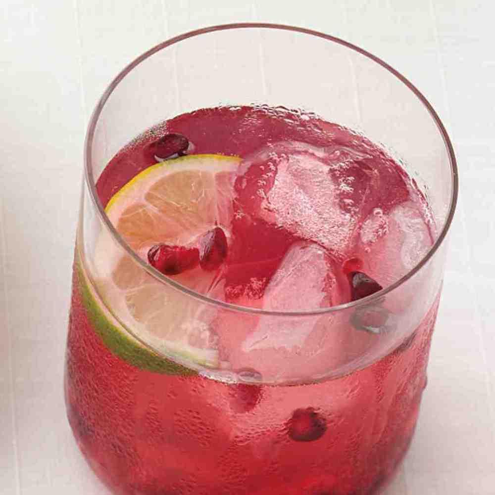 pomegrante-drink-0811mwd107509_vert