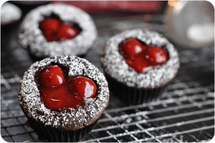 Cherry-Cordial-Cupcakes-1-2-e1359081660557