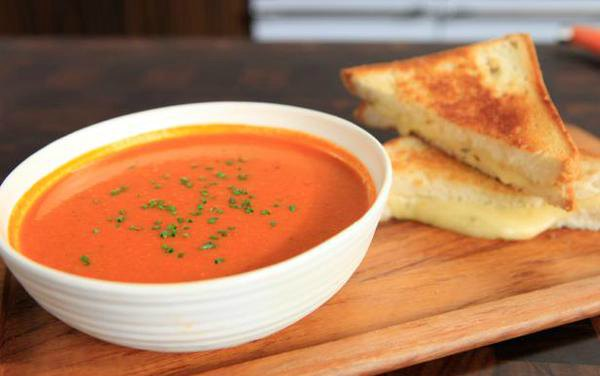 cheap-easy-meals-grilled-cheese-tomato-soup
