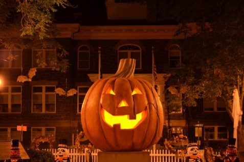 spirit-of-halloweentown-jack-o-lantern-nightjpg-a896224f6bf9759e.jpg