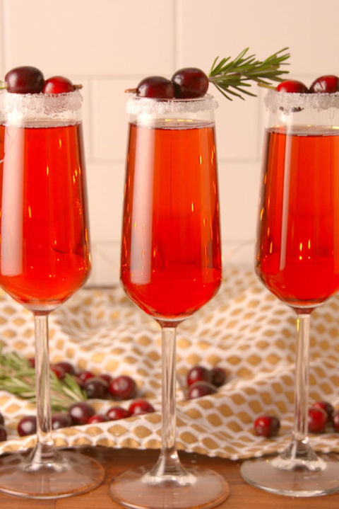 gallery-1479426677-delish-cranberry-mimosa-pin-03