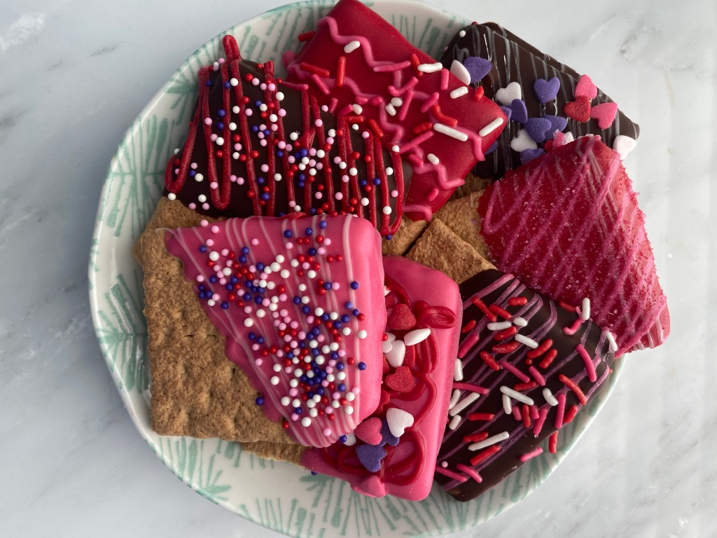 chocolate dipped graham crackers